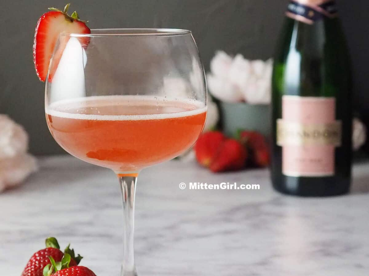 Rosé Cocktail Recipe with Strawberry and Elderflower