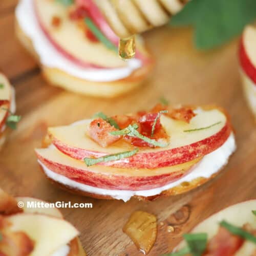 Apple, Bacon, and Goat Cheese Crostini